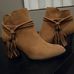 Like new brown booties with tassels